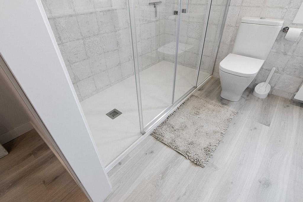 beneficios-reforma-baño-plato-de-ducha